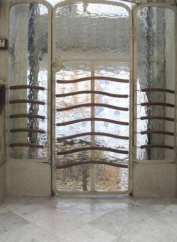 doorwaybarcelonagaudiresampled